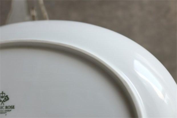 ドイツ ローゼンタール製 ビョルン ヴィンブラッドデザイン ロマンスシリーズ 大きなオーバルプレート 白磁に金のライン入り