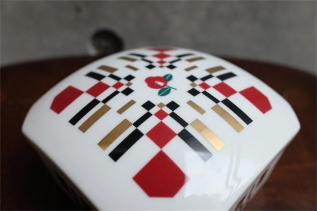 資生堂 SHISEIDO ノベルティ  椿会 1997年度 フェイスパウダー用 陶器製小物入れ 4