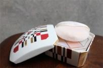 資生堂 SHISEIDO ノベルティ  椿会 1997年度 フェイスパウダー用 陶器製小物入れ 1