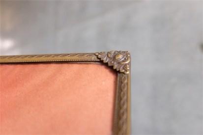 デンマーク製 アンティークフレーム 手吹きガラス製で凸型に湾曲しています A 6