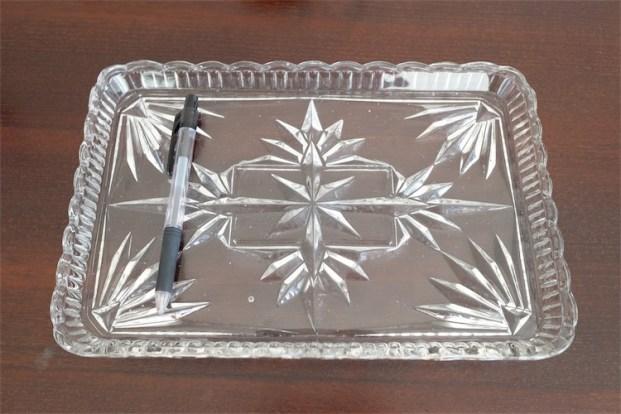アンティークガラス ドレッサートレイ たっぷり重い気泡のあるアンティークプレスガラス 無色タイプ