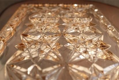 アンティークガラス ドレッサートレイ プレスガラス 優しいサーモンピンク色 星柄
