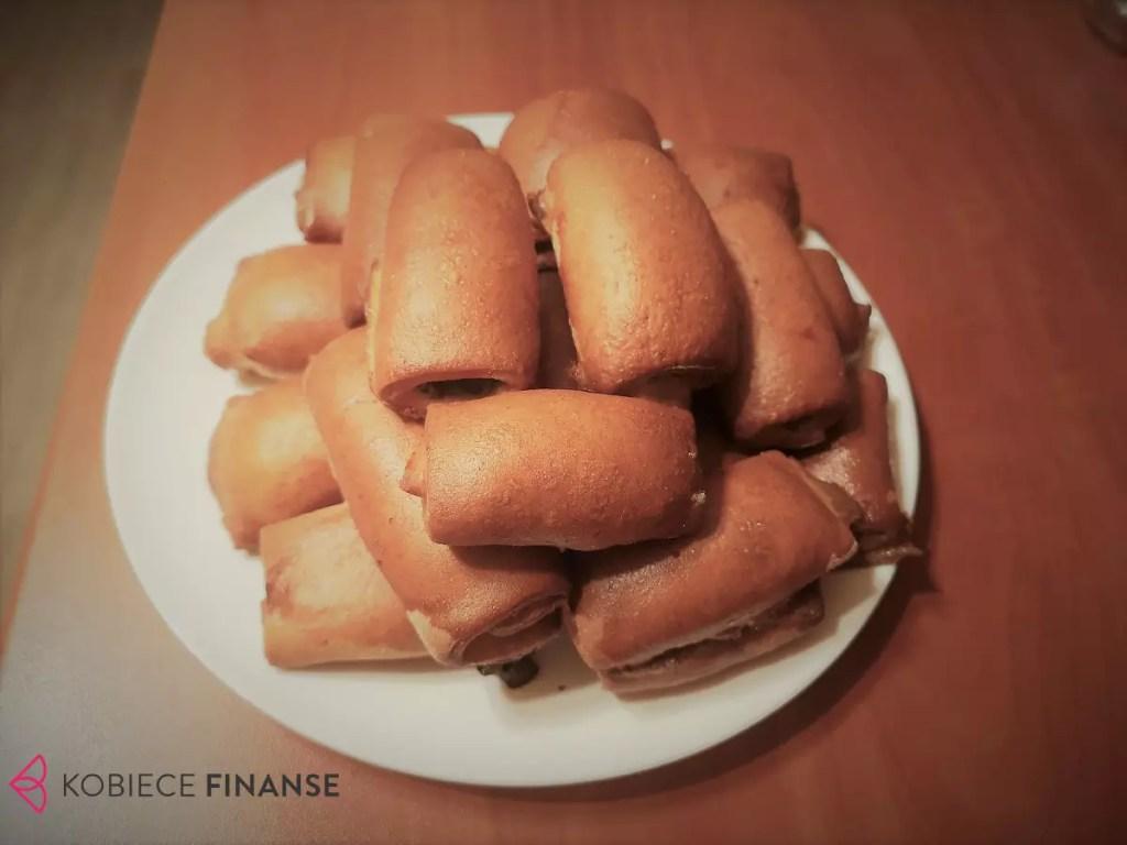 Paszteciki z soczewicą i kapustą - pomysł na tanie danie obiadowe