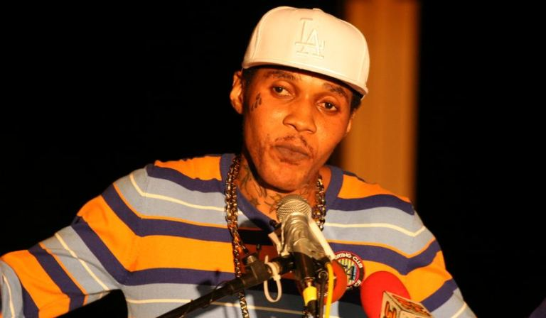 Vybz Kartel Ft. Squash – Moon Walk Lyrics