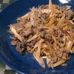 牛肉とごぼうの炒り煮