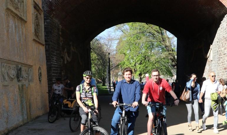 Fahrradverein fordert Ausweisung getrennter Rad- und Fußwege an der Rheinpromenade am Konrad-Adenauer-Ufer
