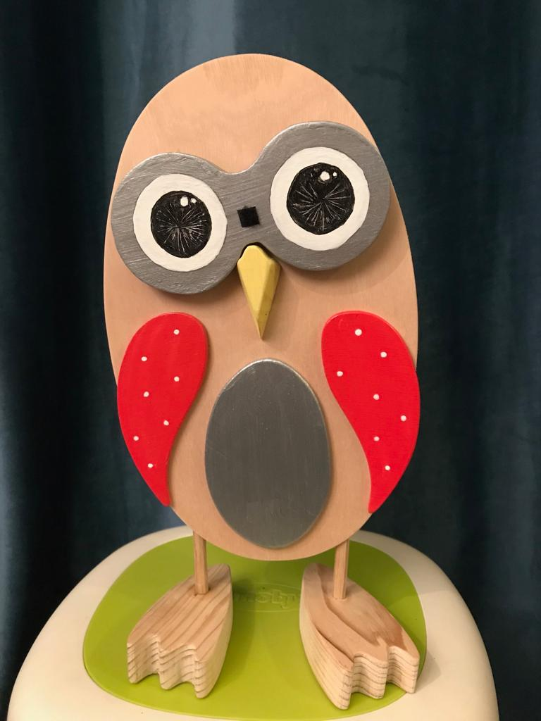Kochouette-Chouette kobo creations expression étonnée en bois et ailes rouges;yeux interchangeables aux diverses expressions