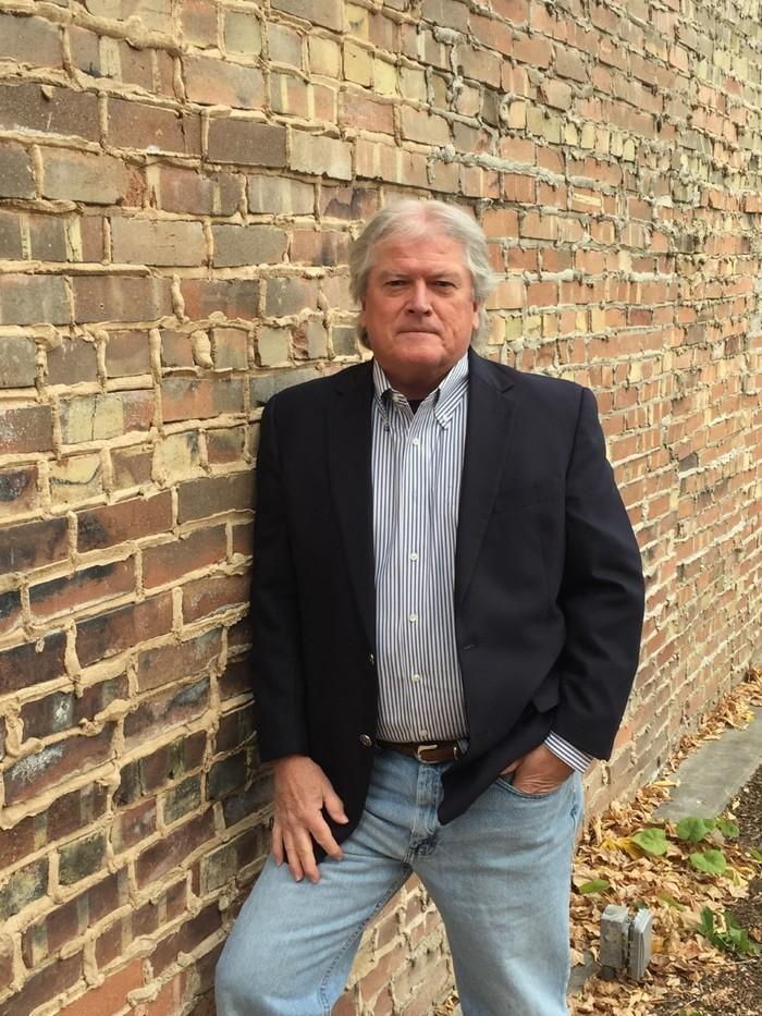 A headshot of Glenn Dyer.