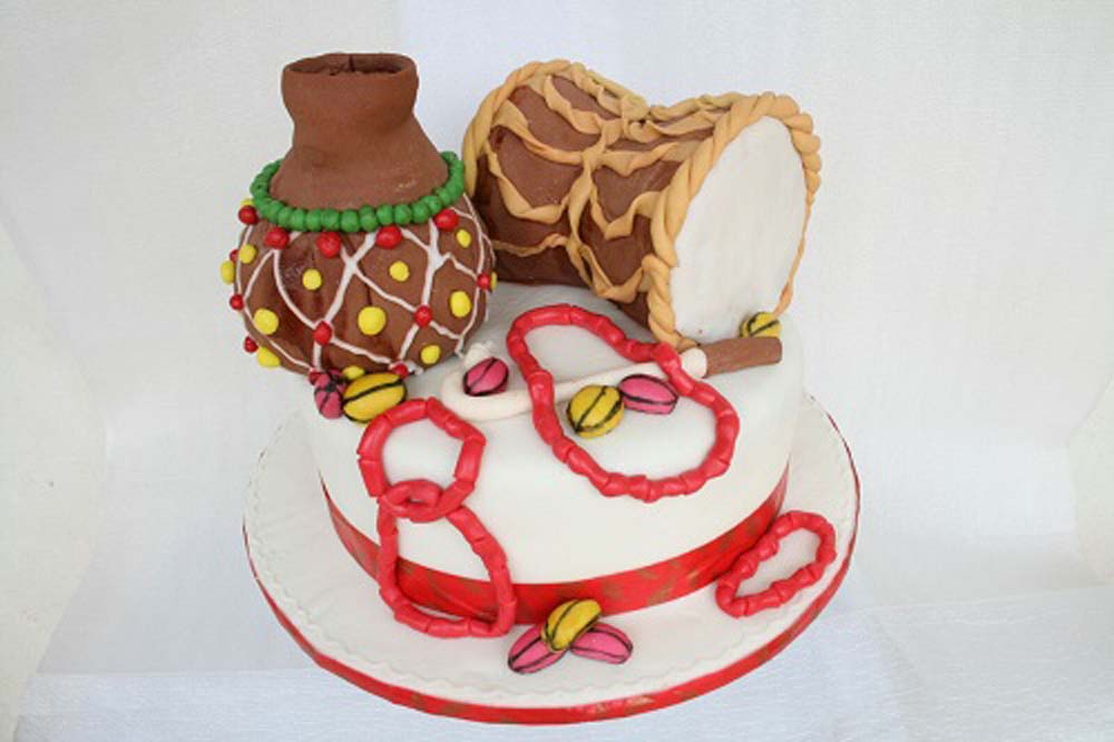 Kocakes Traditional Wedding Cake