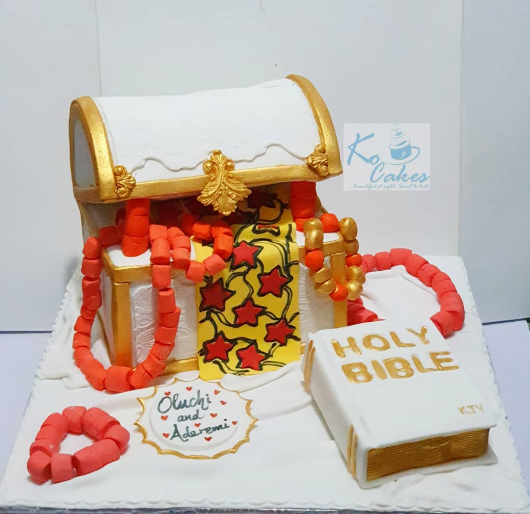Box trad wedding cake