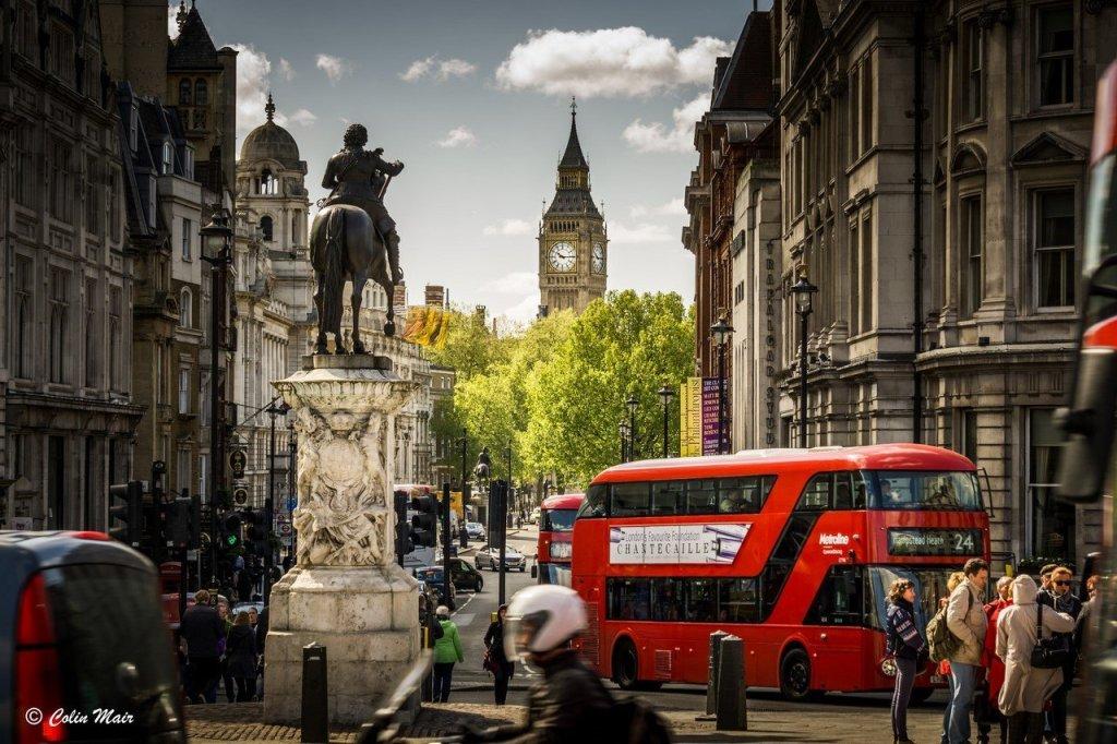получить визу в Англию с World Visa