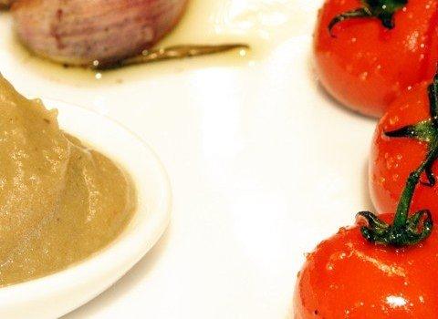 Auberginenmousse  an geschmolzenen Tomaten
