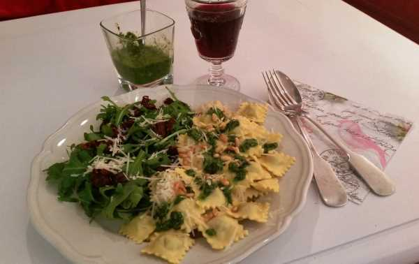 Ravioli chevre mit Basilikum - Pesto kochen aus liebe