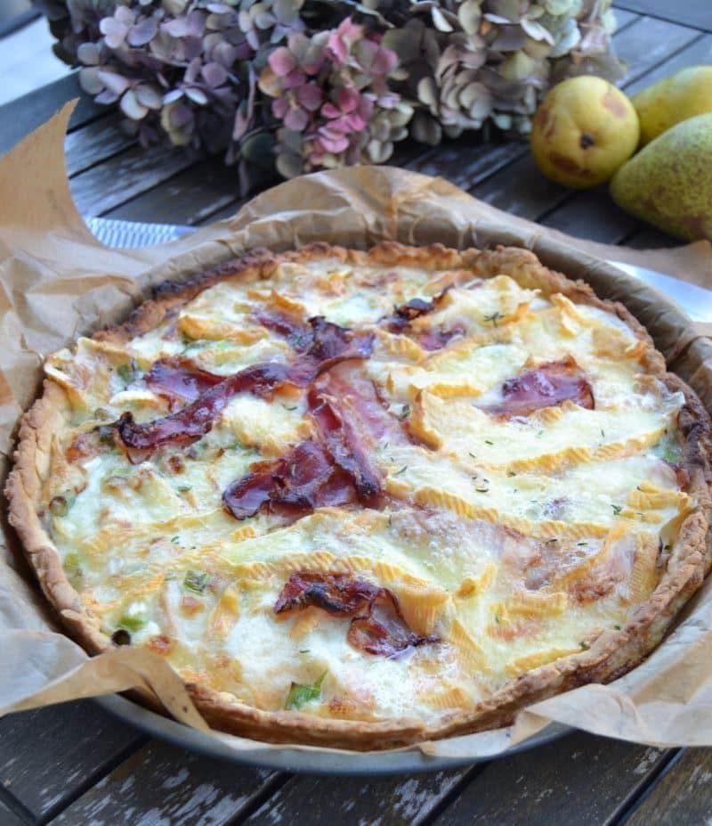 Herzhafte Tarte Saint Albray mit Birne und Bacon