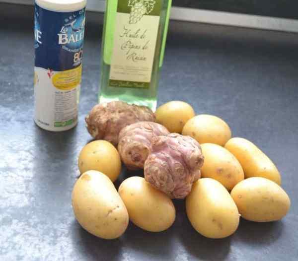 Kartoffeln , Topinambur, Meersalz und Traubenkernöl