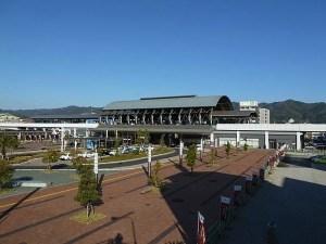 【高知観光者必見】高知駅のトイレが混雑してたら、隣のホームセンターへ駆け込もう