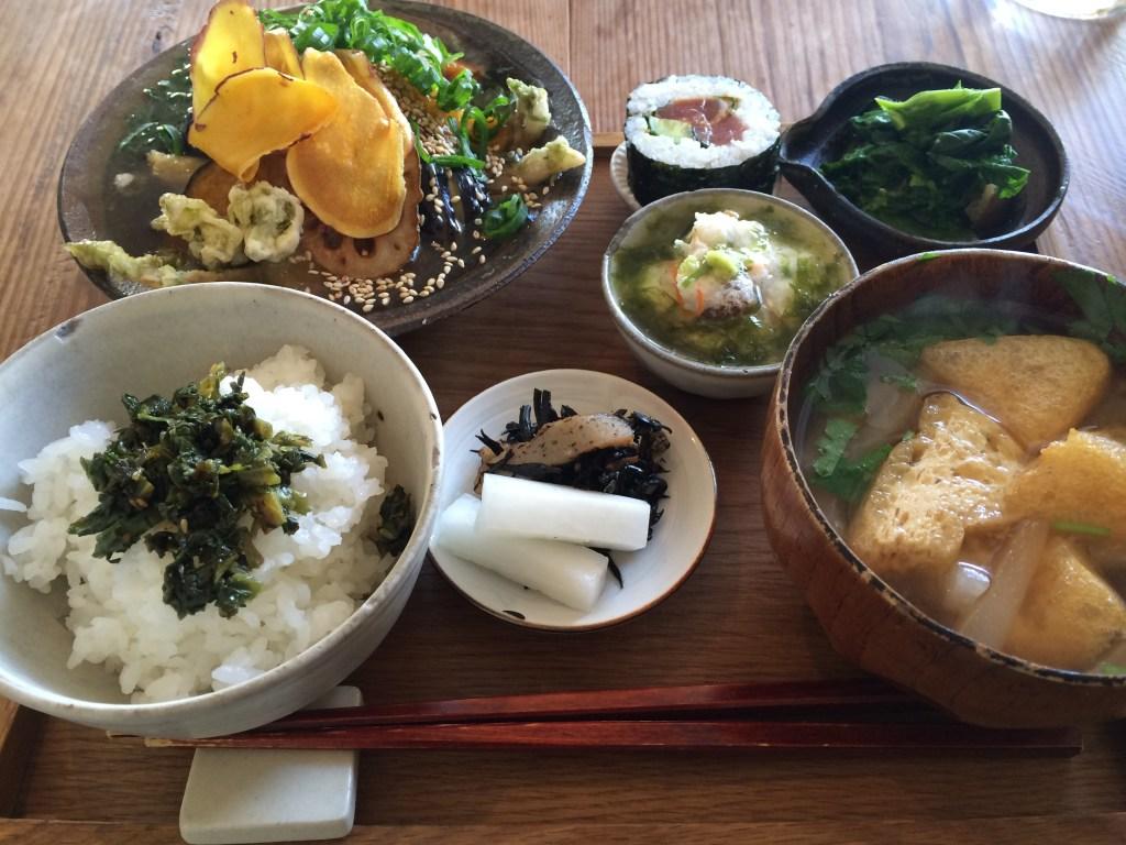 【高知市一ツ橋町】家庭的なご飯と読書が楽しめる雨風食堂で癒やされてきました