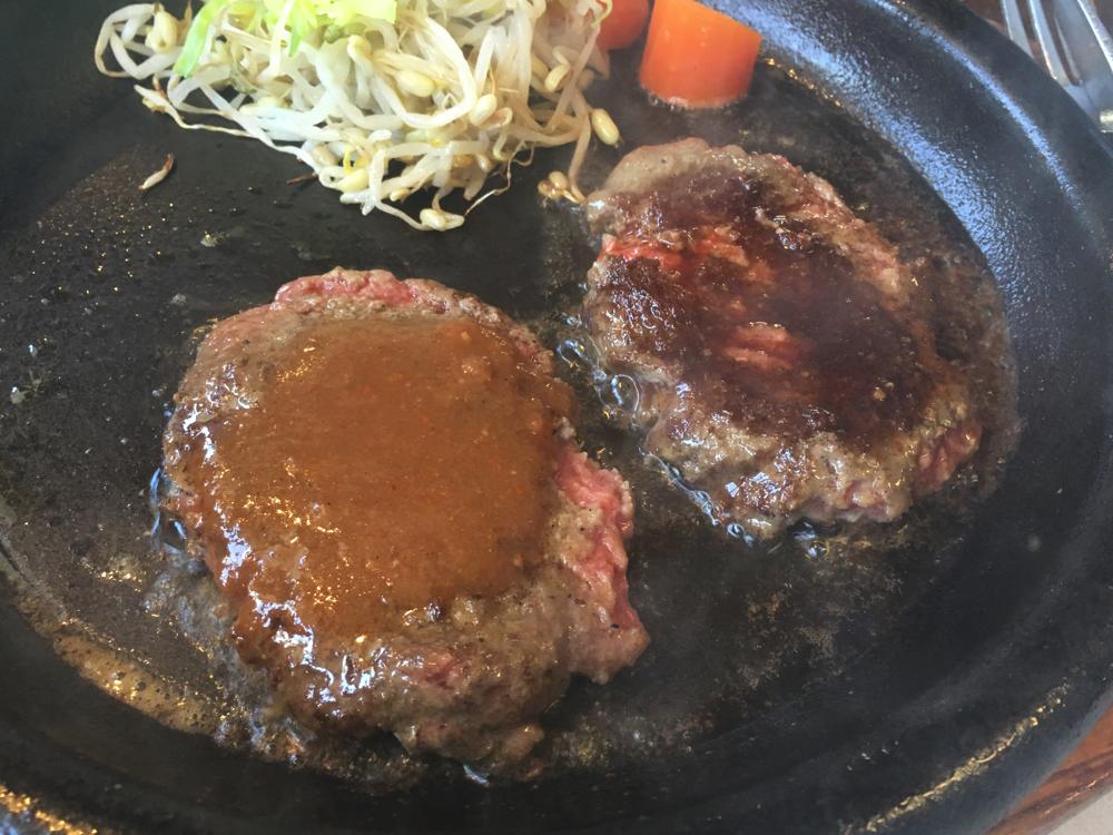 肉汁たっぷりの熱々鉄板ハンバーグのハングリーベア!