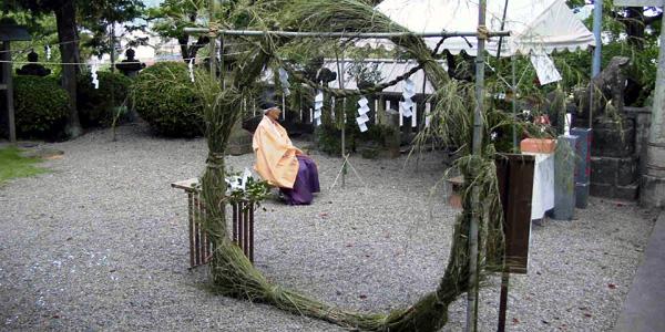 6月30日は夏の訪れを告げる高知のお祭り「輪抜けさま」がありますね!