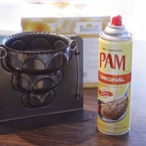 Mit dem PAM-Backspray (ich habs aus den USA, weiß nicht obs das hier auch gibt) klebt nichts an.