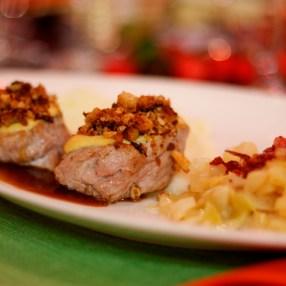 Das Fleisch ist so zart und passt perfekt zum Kohlgemüse