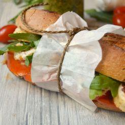 15 Chicken Sandwich Burger mit Rucola und Tomatenpesto