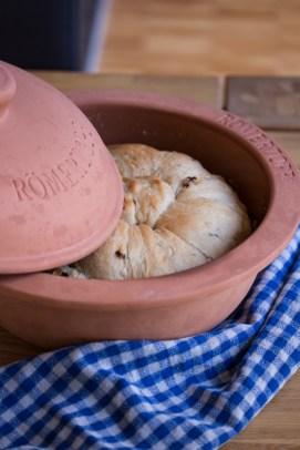Im Römertopf gelingt mir Brot IMMER.