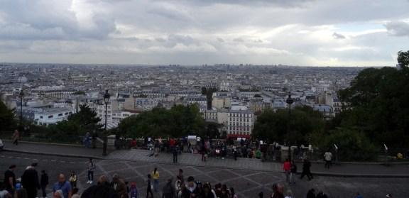 Neben der hübschen Kirche belohnt auch noch ein sensationeller Überblick über die Stadt