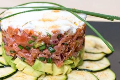 Lachstatar auf Zucchini-Carpaccio 11