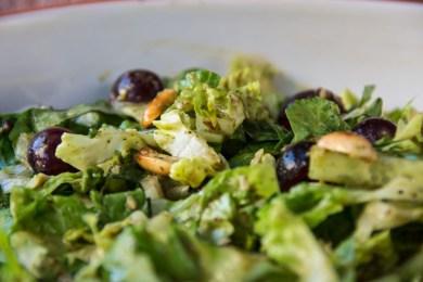 Römer-Salat mit Trauben und Erdnüssen 6