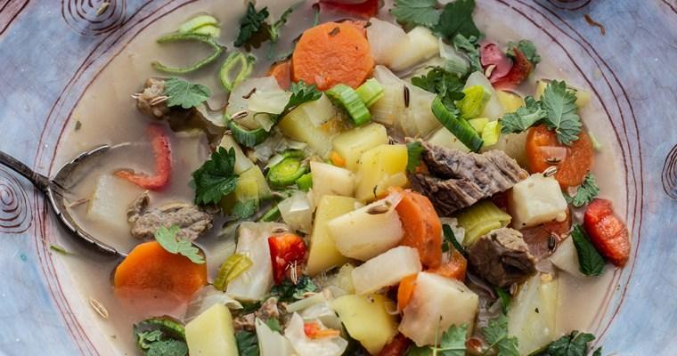 Gemüsesuppe mit Pimpernelle