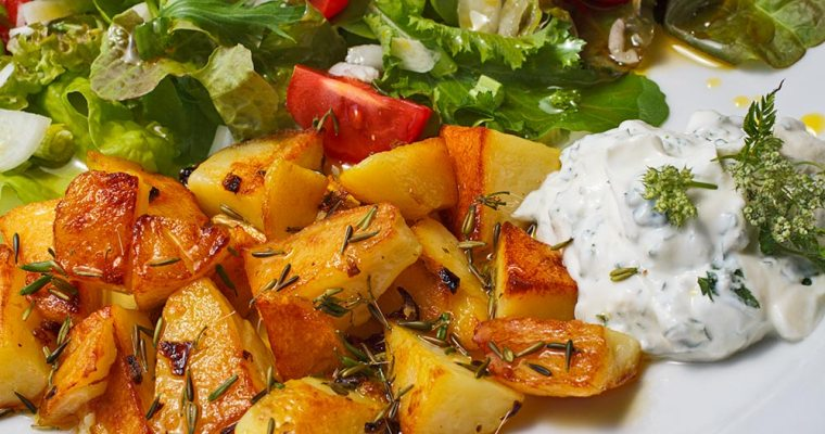 Bratkartoffeln mit Wiesenkerbelsamen