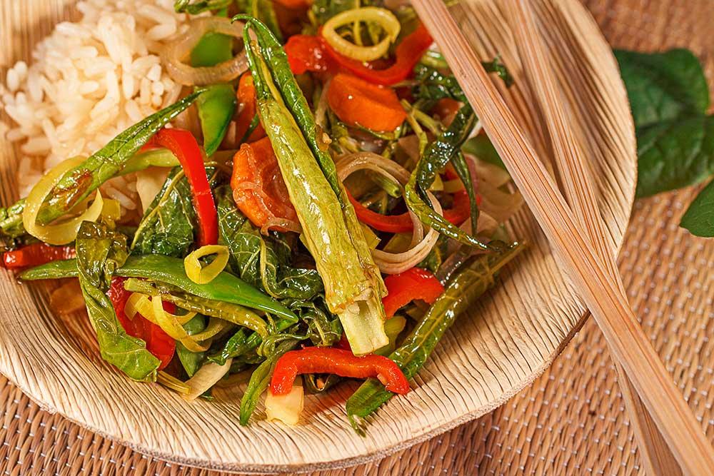 Gemüse mit japanischem Knöterich