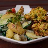 """Die Mädchenküche kocht """"zusammen"""" #3: Bratkartoffel-Gurken-Salat zu Blumenkohl-Broccoli-Frikadellen aus dem Ofen"""