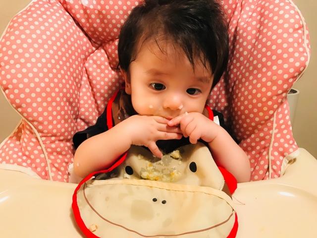 離乳食を食べない子