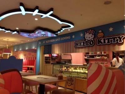 再び親子男女で別行動。今度こそ『Hello Kitty Kitchen』へ!!