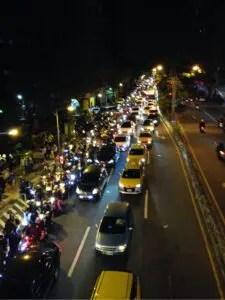 台北101花火後の渋滞