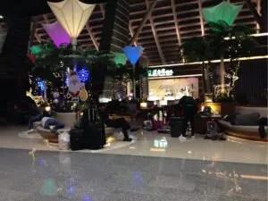 夜中の桃園空港
