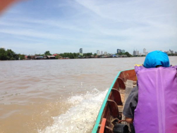 バーンガジャオ行きの小舟