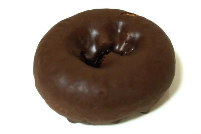 ダブルチョコドーナツ