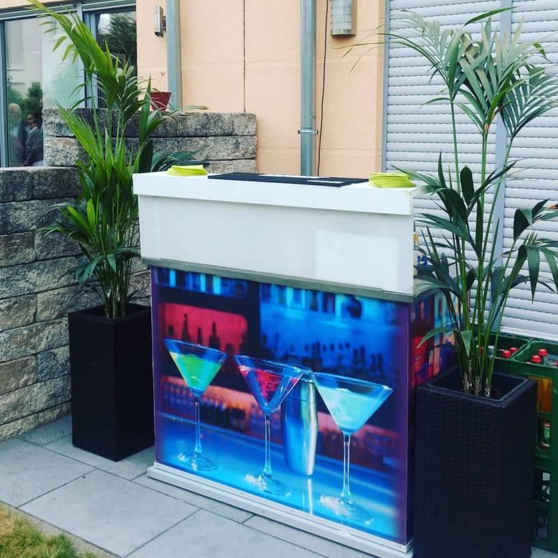 kleine mobile Cocktail Bar