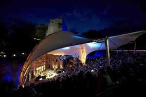 WDR5 Literarische Sommernacht 2012 in Würselen, Burg Wilhelmstein. Moderation: Martin Stankowsky und Roger Willemsen.