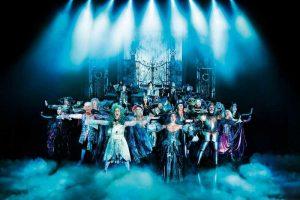 TANZ DER VAMPIRE im Stage Theater des Westens Berlin (bis. Ende Sep. 2016). Mit Jan Ammann als Graf von Krolock und Veronica Appeddu als Sarah