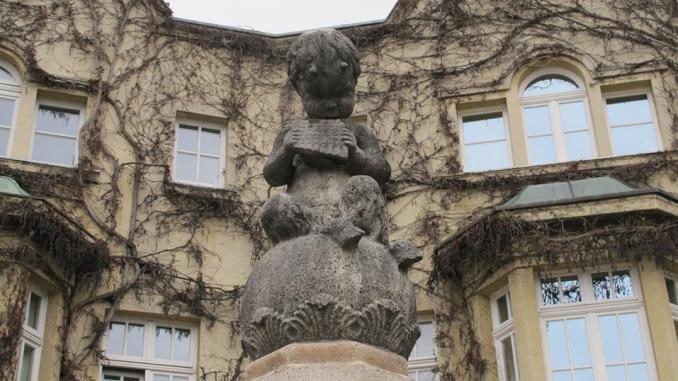 Der Panbrunnen am Pauliplatz