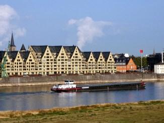 Im Rheinauhafen