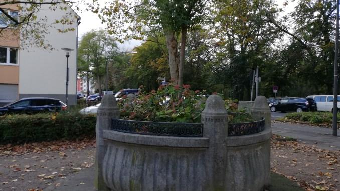 Niehl, Finkenplatz, Brunnenschale