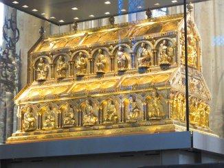 Schrein im Kölner Dom