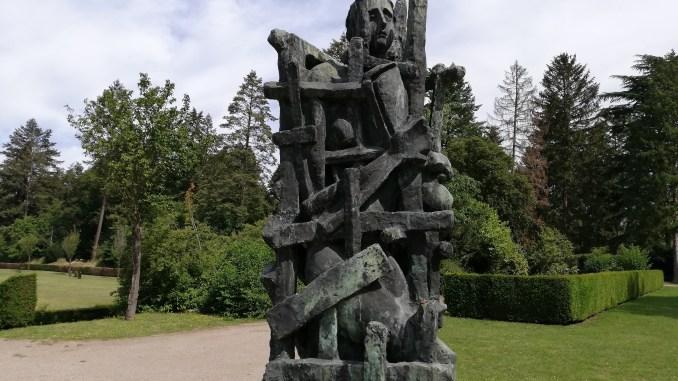 "Westfriedhof, Mahnmal ""Die Gefangenen"""