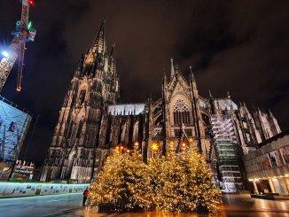 Der Kölner Dom zur Weihnachtszeit