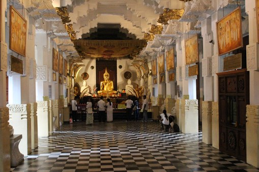 Temple of the tooth, Kandy